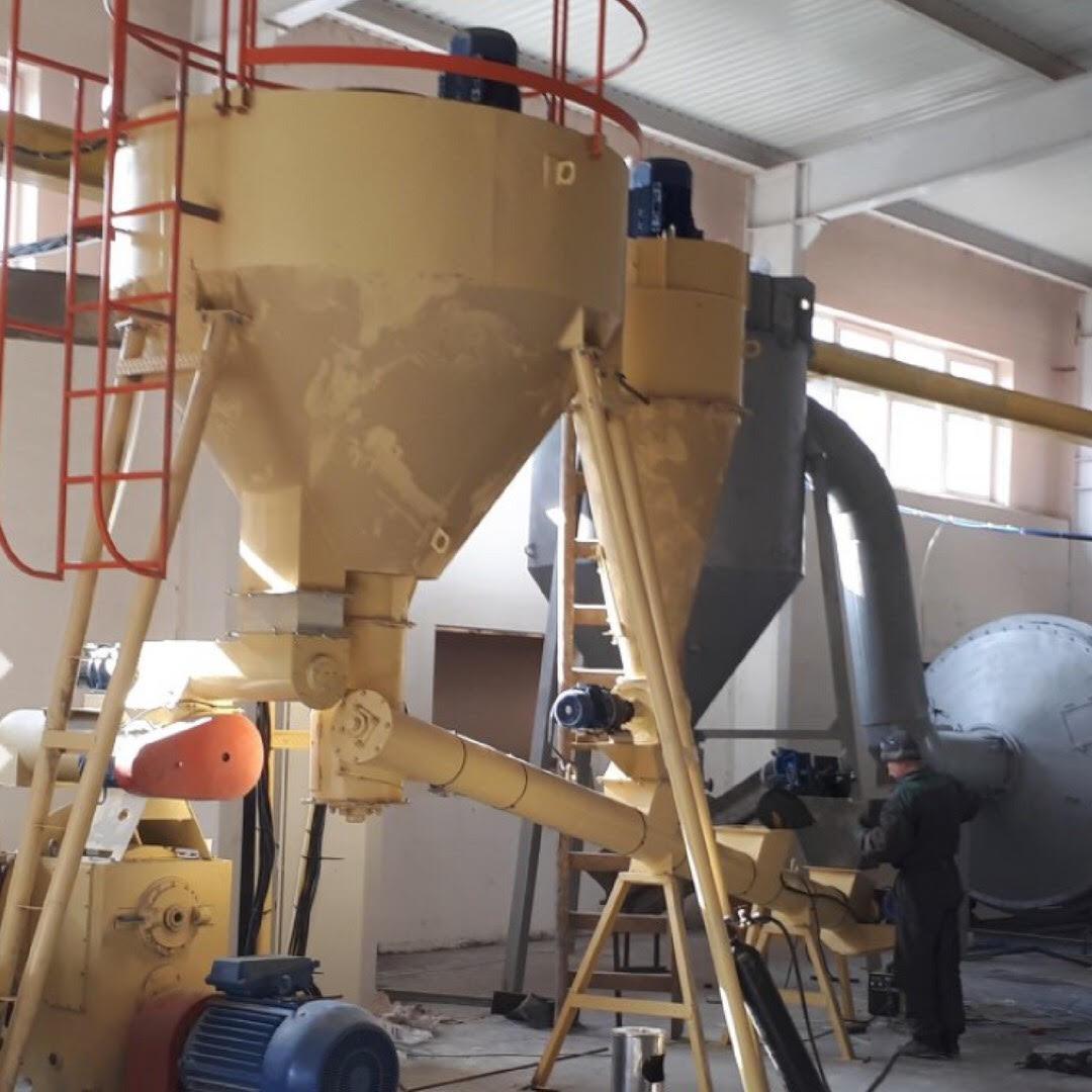 Оборудование для гранулирования опилок на базе гранулятора огм 1.5